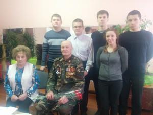 В.И.Зигора, Т.А.Гусарова с членами патриотического клуба Прометей