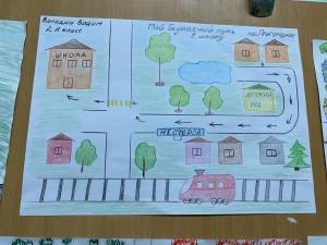 Выставка рисунков Мой безопасный путь в школу (3)