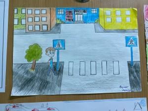 Выставка рисунков Мой безопасный путь в школу (5)